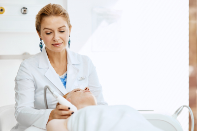 woman taking care by doctor